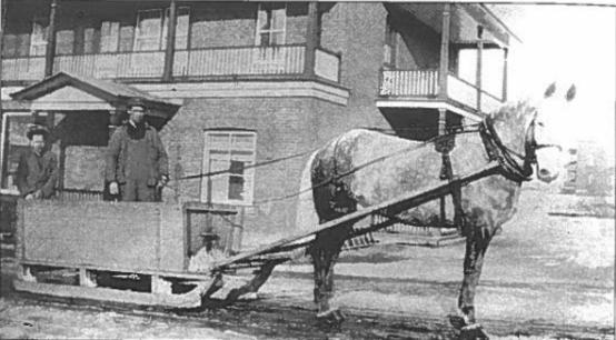 Constable livrant du bois de chauffage aux plus démunis, pendant l'hiver